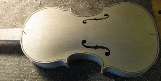 Thomas Brenneur Luthier. Amati baroque violin body