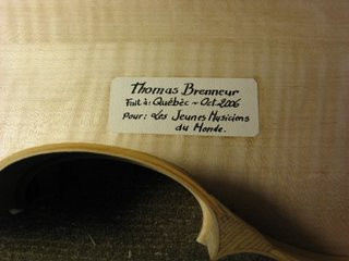 violin label