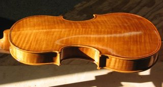 Varnishing the violin